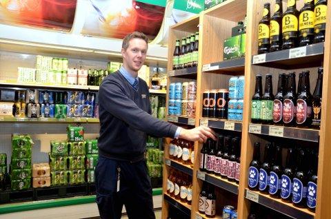 Øl og mat over nett: Kjøpmann Audun Børresen på Joker Vingar går nye veger. Om rundt 14 dager skal adressen www.nettbutikk.joker.no være klar for bestilling.Alle foto: Karen Bleken