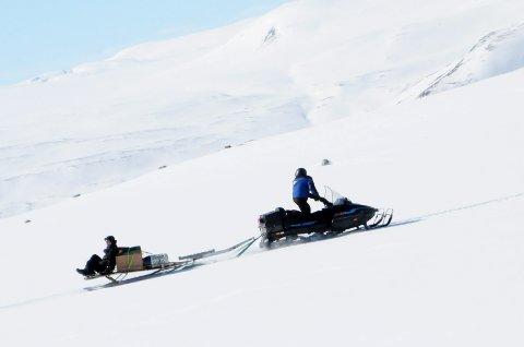 LETTERE VEG TIL HYTTA: Politikerne presiserer hvordan avstanden mellom bilveg og hytte skal måles der hytteeierne vil bruke snøscooter til frakt av bagasje og utstyr.