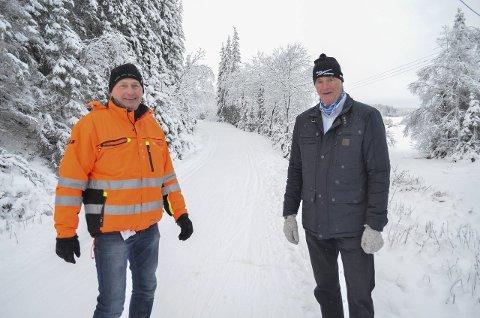 Populært skiområde: Bengt Bragerhaug (t.v.) i Lunner kommune og Arild Bernstrøm i Mylle Løypeforening forteller at det allerede forrige helg strømmet folk til Mylla for å gå på ski. Særlig siden det er lite snø i Oslo-området reiser mange derfra for å gå på ski lenger nord.