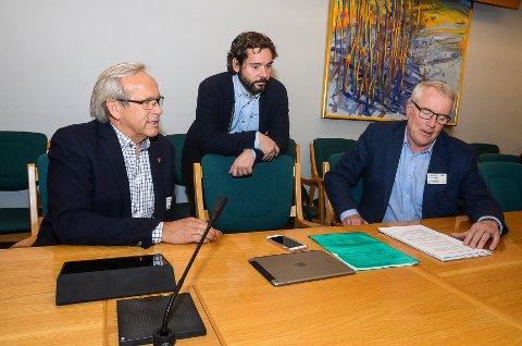 Willy Westhagen, Sigmund Hagen og Gunnar Haslerud representerte Hadeland på bredbåndsmøtet på Stortinget.