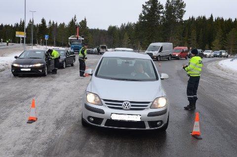 Vegvesenet og politiet hadde storkontroll på Lygna onsdag. For ordens skyld: Alt var i skjønneste orden med bilene på bildet.