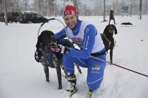 SØLV: Yngve Hoel fra Hadeland Trekkhundklubb tok sin 47. internasjonale medalje i hundekjøring.