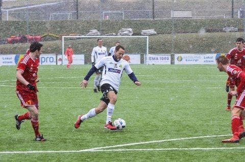 MATCHVINNER: Bård Olsen lagde begge målene da Gran vant sesongens første seier hjemme mot Årdal.