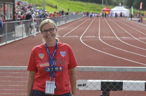 FORNØYD: Leder i hovedkomiteen for NM, Heidi Bekken, er fornøyd med at NM nå er i gang.