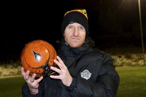 MÅTTE GÅ: Erik Hagen måtte gi seg som trener i Jevnaker IF Fotball, ett før kontraktens utløp.