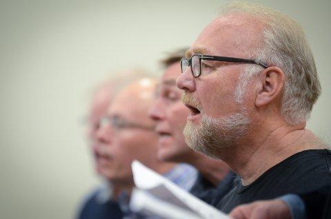 OPPHAVSMANN: Kolbjørn Dehli dro i gang Nos Alter blandakor for 25 år siden, og nå synger han både bass og tenor.