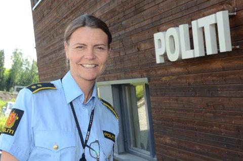 GLAD: Politioverbetjent Heidi Staxrud ved Gran og Lunner lensmannskontor er glad for at gjennomsnittsmålingen på riksveg fire sør for Grua virker etter hensikten. Arkivfoto: Bjørn Bjørkli
