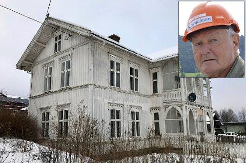 Fylkesmannen har talt: Den gamle sveitservillaen på Sandødegården kan ikke rives.