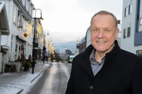 KJØPER SEG TID: Jevnaker-ordfører Lars Magnussen og Arbeiderpartiet vil vurdere alle sidene ved sykehjemssaken.