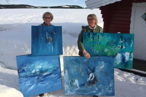 STILLER UT: Randi Bråten Igelstad (til venstre) og Ester Thoresen åpner utstilling i Galleri Brande lørdag 26. mai.