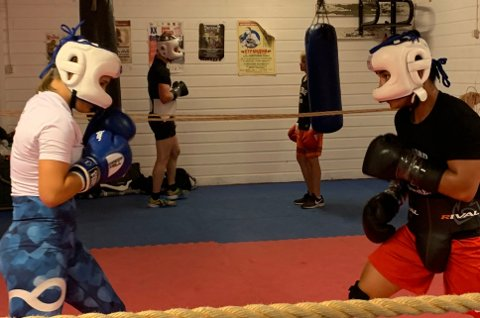 KAMP: Både Sara Melgård (til venstre) og Bernard Angelo Torres skal i aksjon i bokseringen denne helga.