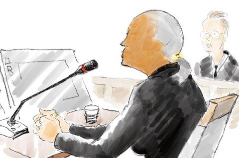 BETINGET: Aktor mener kvinnen fra Hadeland skal dømmes til betinget fengsel. Forsvarer Bendik Støen Thoresen mener bevisene ikke holder og at hun derfor ikke kan dømmes. TEGNING: Herb