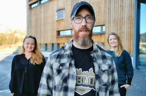 PÅ SAMME LAG: Øyvind Maroni, Kikka Nauste (til venstre) og Gunn Elisabeth Alm Thoresen utgjør arbeidslivsteamet ved Hadeland videregående skole.