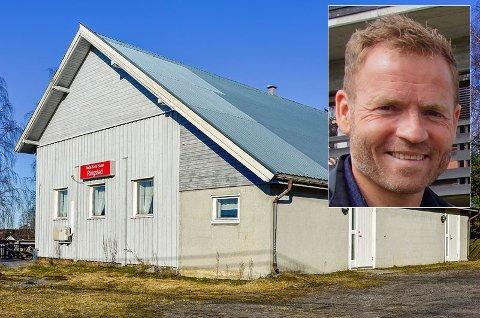 Ny eier: Åge Mikael Strand og Acanthus eiendom har kjøpt Røde Kors-huset i Ringstad.