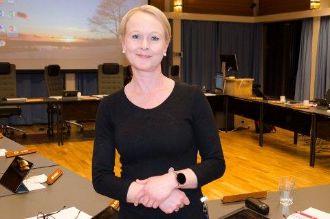 NYTT TILFELLE: Kommuneoverlege Marthe Amanda Ottersen Bergli forteller at de har god kontroll på smitten etter nok et tilfelle av koronaviruset i Jevnaker.