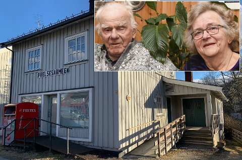 TRIST: Oddvar og Inger Andersen (innfeldt) synes det er trist at huset de har holdt til i over 40 år nå skal rives.