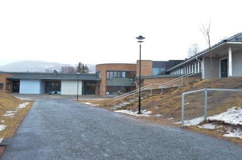 HAR VÆRT PÅ SKOLEN: Politiet har snakket med eleven og skoleledelsen.
