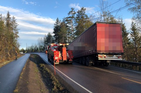 FULL STOPP: Her ble det full stopp for den polske lastebilsjåføren.