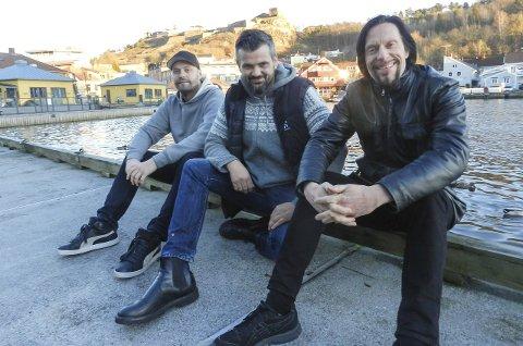 Tons of Rock: Mads Martinsen (fra venstre), Jarle Kvåle og Svein Bjørge gleder seg over en fantastisk økning i salget av billetter til Tons of Rock 2016. – Ambisjonene om å doble antall publikummere er realistisk, sier de. Foto: Hanne Eriksen