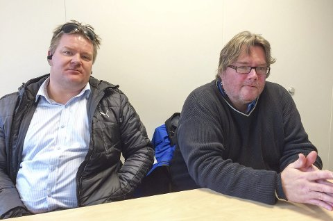 Gir seg ikke: KFU-leder Jørn Gundersen-Fredriksen (til v.) og sekretær Kai Hagali nekter å gi opp kampen for et bedre skolebudsjett.               – Politikerne har påtatt seg et ansvar. da må de også ta det, sier de.foto: øivind Kvitnes