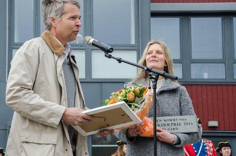 Ekteparet Tor Øvrebø og Anne Håbu tok over gården Orød i 2012. Lørdag fikk de Halden Kommunes Byggeskikkpris for deres restaureringsarbeid på gården.