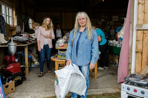 Linda Rovedal har hamstret masse på loppemarkedet.