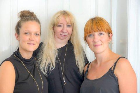 SMYKKEDESIGNERE: Simone Kronberg (fv.), Heidi Framvik og Elisabeth Grimsrud.
