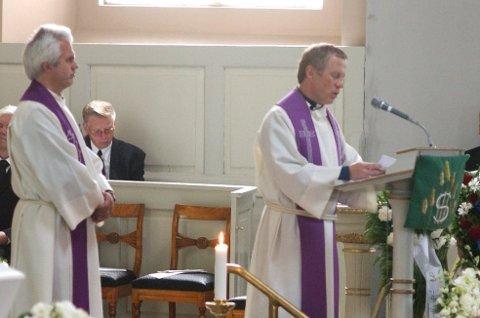 VIL VIE HOMOFILE: Truls Breda (til høyre) vil vie likekjønnede par i kirken. Sogneprest Jan Boye Lystad (tv) har tidligere uttalt til HA at han ikke å profilere sitt standpunkt i avisa på det nåværende tidspunkt.