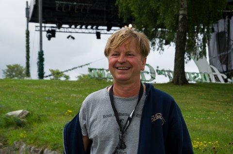 INITAITVTAKERE: Ole Evenrud har vært drivkraften til Allsang på Grensen siden første sesong. Per Olav Andersen var også med å starte allsangeventyret for ti år siden. Til nå er han storfornøyd med jubileumssesongen.