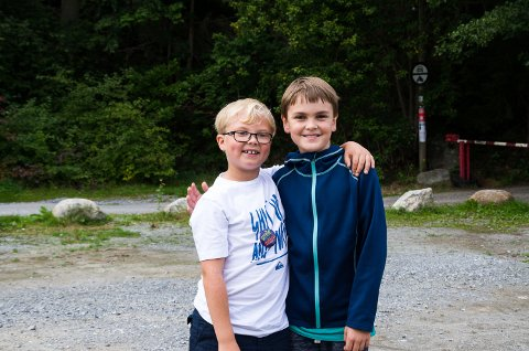 Vetle Emrik Fosshaug(snart 8) og Bastian Galgum(10) hadde en fin formiddag i sponvika