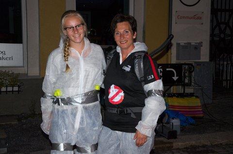 De ansatte på kinoen hadde på seg artige klær som sto i stil med filmen som ble vist, Ghostbusters!