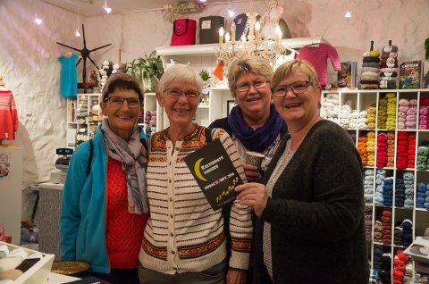 Kari Johansson(f.v.), Inger Kvinnesland, Lucile Henriksen og Bodil Simonsen har kommet helt fra Sørlandet. Fredag koste de seg under Kulturnatt i Halden