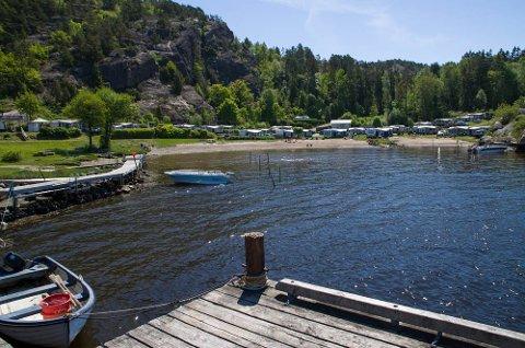 Lunnevika Camping, grønt, blått, herlig natur.