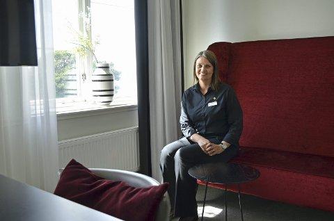 Hotellsjef på Fredriksten hotell, Marianne Olsen, fortalte for få dager siden at de stenger hotellet til over nyttår. Tirsdag kveld bevilget Halden kommune krisemidler til hotellet. Midlene skal gå til å etablere nytt konferansemønster i 2021.