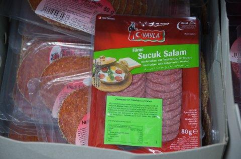 KUN HALALKJØTT: Alt kjøtt som selges i butikken er Halal-slaktet
