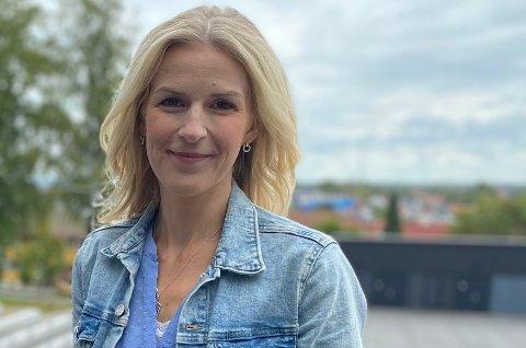 Det er helt nødvendig å trå til nasjonalt for å bistå i jordmorkrisen, ifølge Elise Waagen (Ap) på østfoldbenken i Stortinget.
