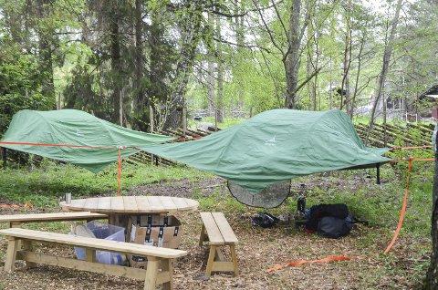 CAMP: Her er campen hvor deltakerne i «Klatrekampen» tilbringer nettene. Foto: Casper Lochert