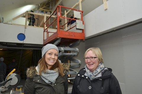 Gleder seg til åpning: Daglig leder Hilde Skjeldås (til venstre) og Sissel Bratteteig fra Andersen's Konditori. Styreleder Michael Andersen kunne ikke stille til intervju.