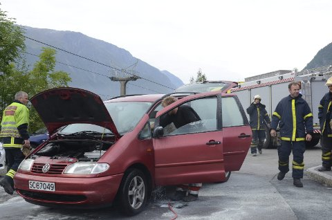 Illustrasjonsfoto frå ein liknande bilbrann.
