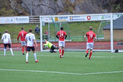 Jarle Viskjer hadde fleire redningar mellom stengene.