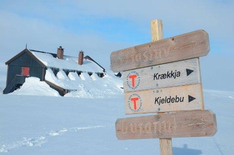Illustrasjonsfoto: DNT-skiltfrå Sandhaug til  Krækkja og Kjeldebu