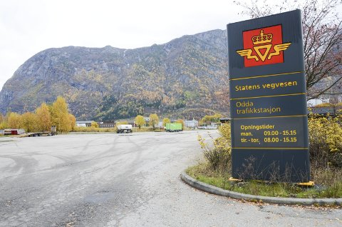Parkeringsplassen ved Statens vegvesen på Eitrheim er populær.