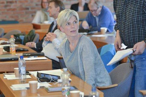 Erfaren politiker: Linda Haugland Jondahl (Ap) har lang politiske erfaring både fra Odda kommunestyre og fylkestinget. Hun var også varaordfører i Odda i perioden 2015–2019. – Jeg synes det er helt avgjørende at vi får en representant fra regionen inn på Stortinget, sier hun. Arkivfoto