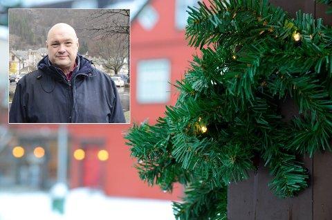 Kjetil Skjeie, daglig leder i Odda Parkering, sier det er positivt at de kan bidra til å gjøre julehandelen så smidig som mulig, både for kunder og butikker.