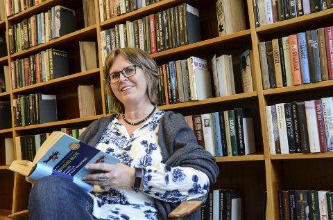 Leselyst: Erika Alnæs, avdelingsbibliotear  Arkivfoto: Mette Bleken