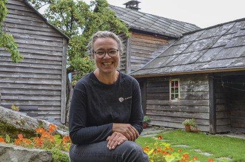 Veldig fornøyd: Line Benedikte Iversen er fungerende vertskap i Agatunet denne sesongen. Foto: Mette Bleken