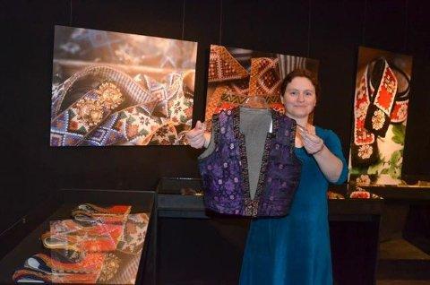 Agnete Sivertsen kan for første gong visa alle interesserte rundt i utstillinga Opplut og belte.