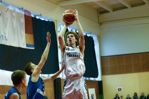 UNG MESTER: Mikal Gjerde fylte 16 år i november. Torsdag ble han seriemester i basketball med Kongsberg Miners.