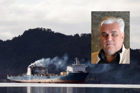 RETTSAK: Fredag 15. oktober startar rettsaka mot Georg Eide (innfelt), som er tiltalt av Økokrim for forsøk på å utføra skipet Tide Carrier (bildet) til ulovleg gjenvinning i utlandet. (Arkivfoto)