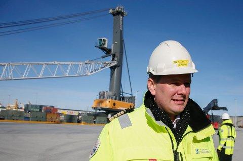 SKIPSFARTEN I KRISE: Havnedirektør Tore Gautesen og Karmsund Havn er daglig i kontakt med fortvilte redere på jakt etter opplagsplass. Han beklager ulempene naboene kan komme til å oppleve, men understreker at opplag i Førresfjorden nå er uunngåelig.